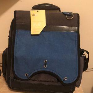 Computer/brief case with shoulder strap